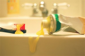 gallery-1462902484-clean-freak-toothpaste-sink
