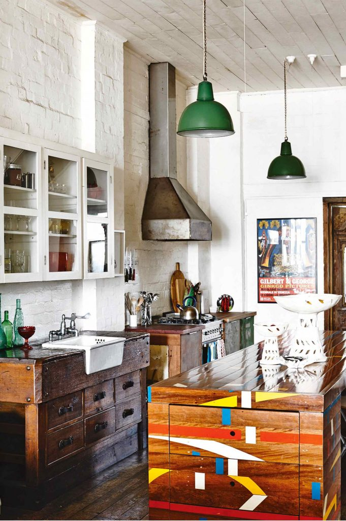 factory-conversion-kitchen-timber-saskia-folk-home-mar15-20150811161340-q75dx1920y-u1r1g0c