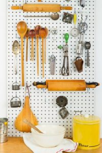54fe89917b355-a-kitchen-pegboard-1-msc