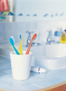 54fe89939bab8-color-coded-toothbrushes-11-msc